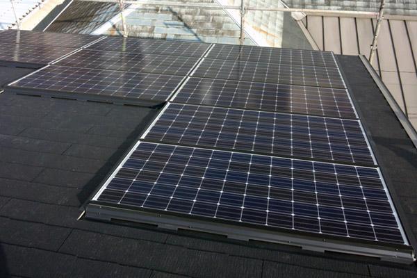 野地ピタ施工 太陽光モジュール設置後コロニアル施工